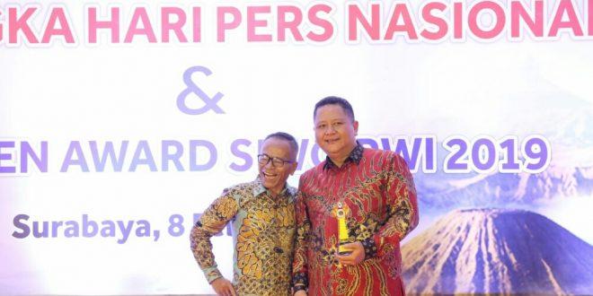 Peduli Olahraga, Whisnu Sakti Buana Raih 'Golden Award SIWO PWI Pusat 2019